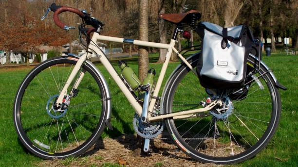 Avenir Rain City Panniers on a Raliegh Sojourn